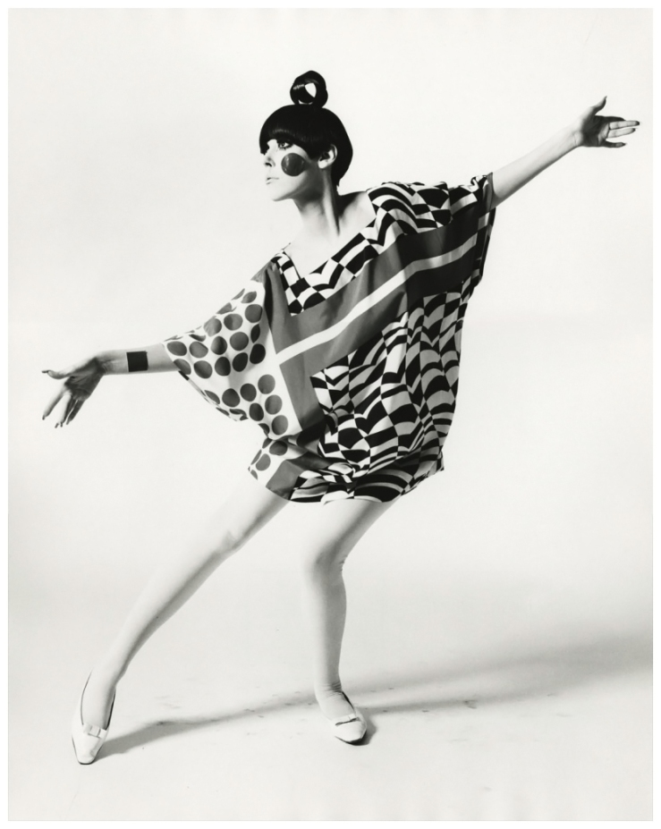 william-claxton_peggy-moffitt-in-22kite-dress22-by-rudi-gernreich-standing-1967